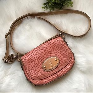 Fossil Maddox Saddlebag Crocodile Pink Crossbody